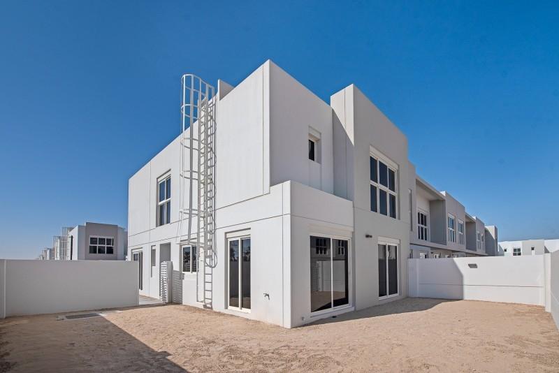4 Bedroom Villa For Rent in  Arabella Townhouses 3,  Mudon   0