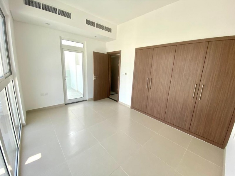4 Bedroom Villa For Rent in  Arabella Townhouses 3,  Mudon   9