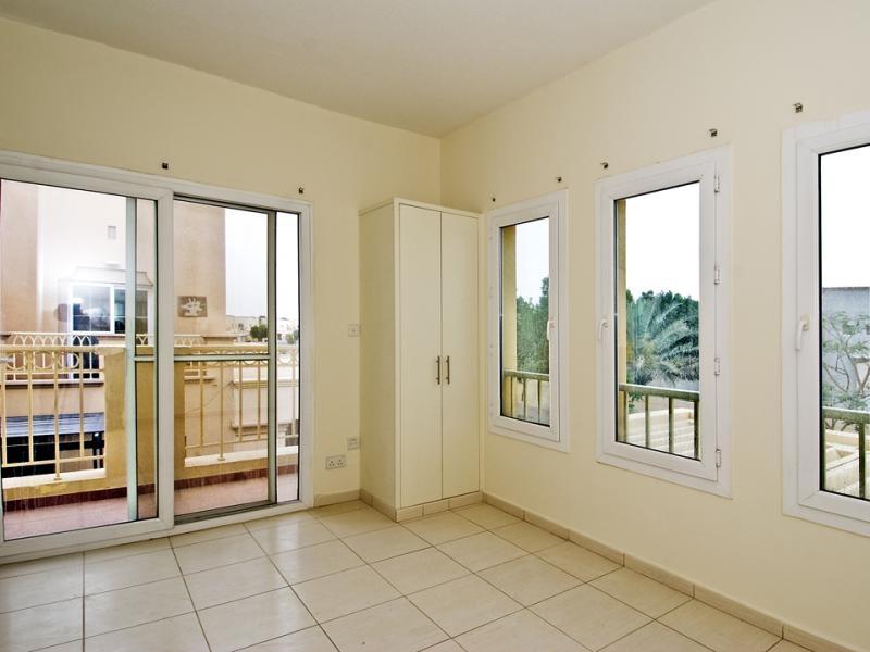 2 Bedroom Villa For Sale in  Springs 15,  The Springs   4