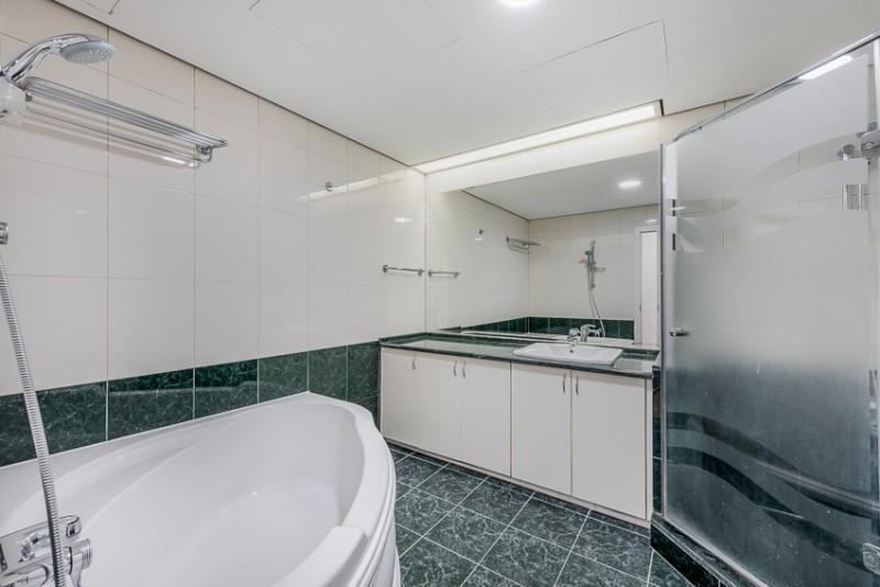 3 Bedroom Apartment For Rent in  Ghaya Residence,  Sheikh Zayed Road | 1