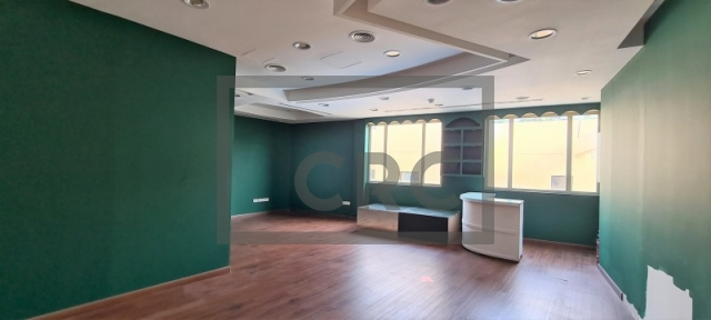 shops & retail spaces for rent in jumeirah 1