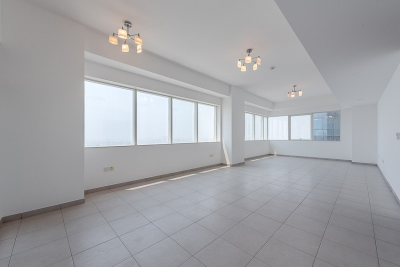 3 Bedroom Apartment For Rent in  Blue Tower,  Sheikh Zayed Road   1