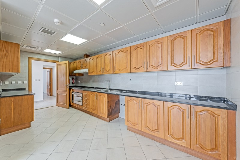3 Bedroom Apartment For Rent in  Blue Tower,  Sheikh Zayed Road   7