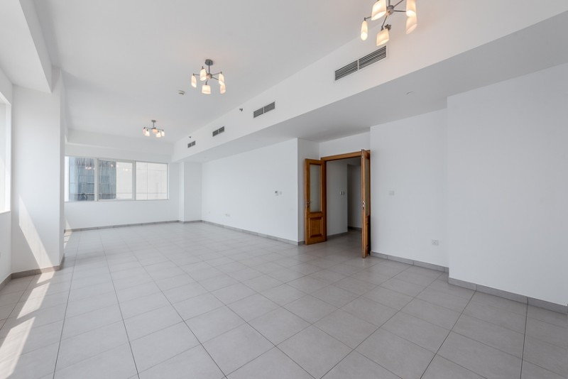 3 Bedroom Apartment For Rent in  Blue Tower,  Sheikh Zayed Road   0