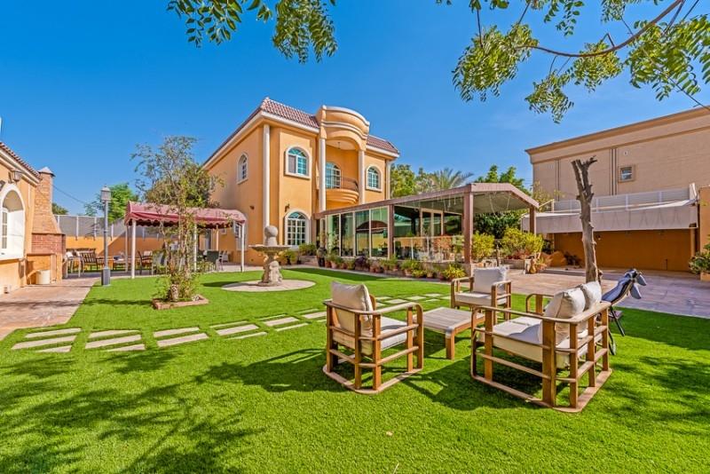 5 Bedroom Villa For Sale in  Umm Al Sheif Villas,  Umm Suqeim   0