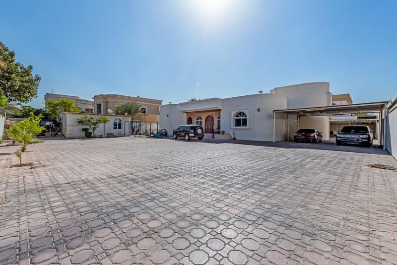 4 Bedroom Villa For Sale in  Nadd Al Hammar Villas,  Nadd Al Hamar   0