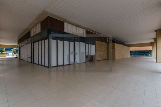 semi-furnished retail for rent in business bay, bay square building 7   1