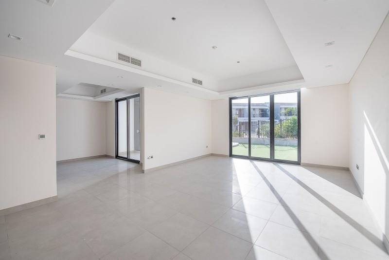 4 Bedroom Villa For Sale in  Casa Flores,  Motor City | 4