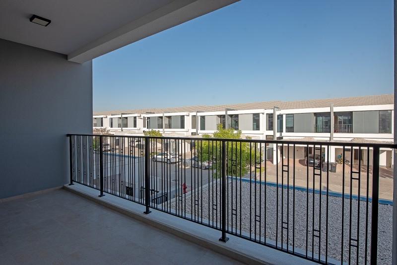 4 Bedroom Villa For Sale in  Casa Flores,  Motor City | 8