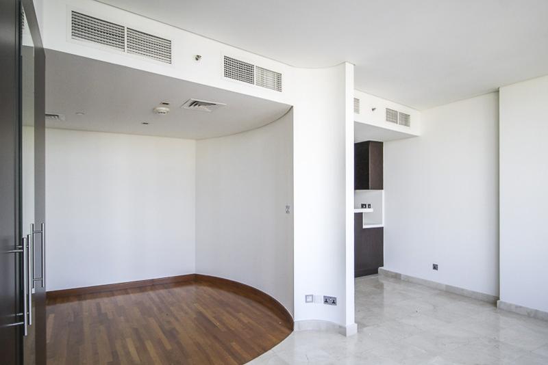 Studio Apartment For Rent in  Sky Gardens,  DIFC | 4