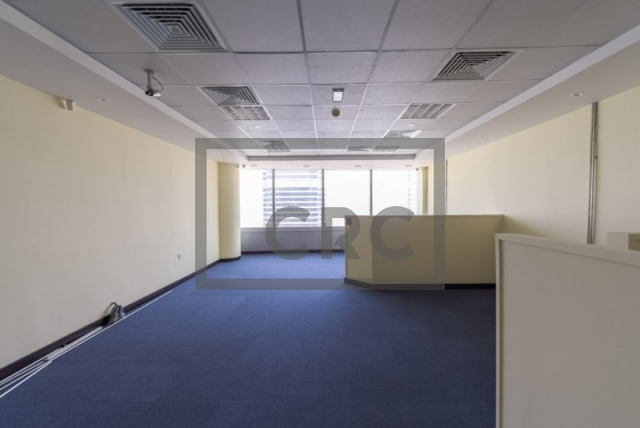 644 sq.ft. Office in Jumeirah Lake Towers, Gold Tower for AED 70,000