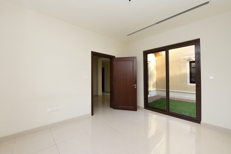 5 Bedroom Villa For Sale in  Rosa,  Arabian Ranches 2   9