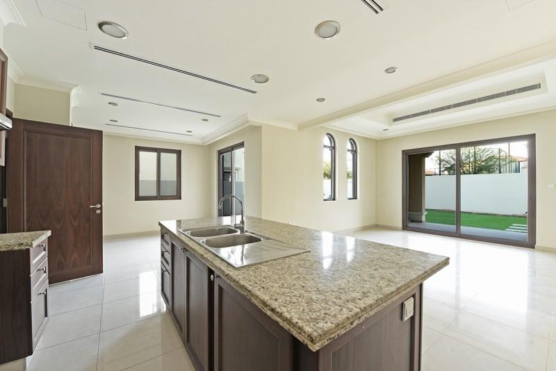 5 Bedroom Villa For Sale in  Rosa,  Arabian Ranches 2   6