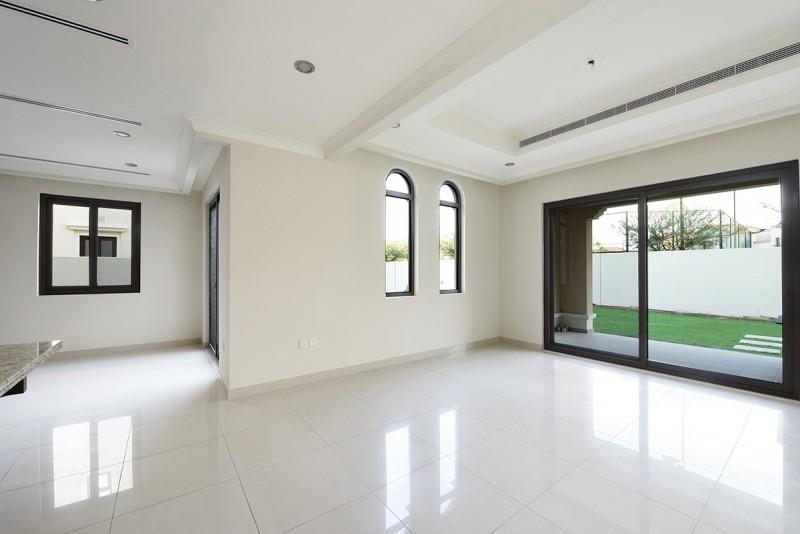 5 Bedroom Villa For Sale in  Rosa,  Arabian Ranches 2   8