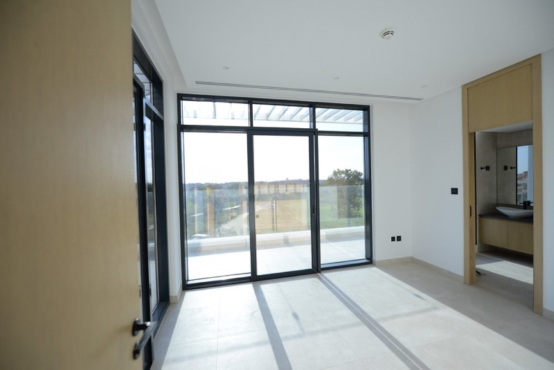 4 Bedroom Townhouse For Sale in  Jumeirah Luxury Living,  Jumeirah Golf Estates | 8