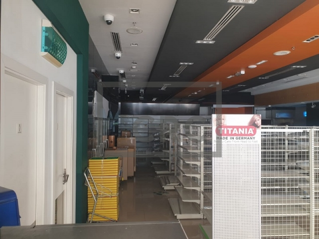 furnished retail for rent in business bay, bay square building 7 | 9