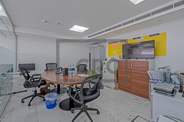 furnished office for sale in jumeirah lake towers, mazaya business avenue bb2 | 4