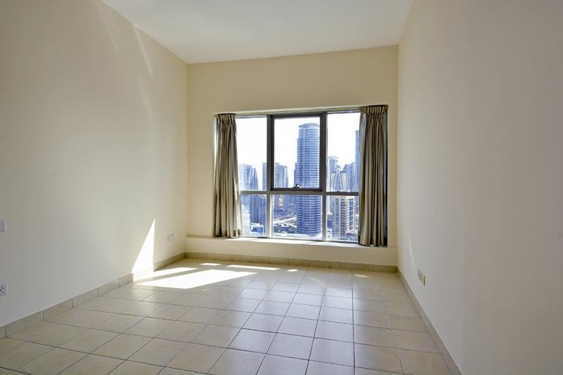 2 Bedroom Apartment For Sale in  The Point,  Dubai Marina   5