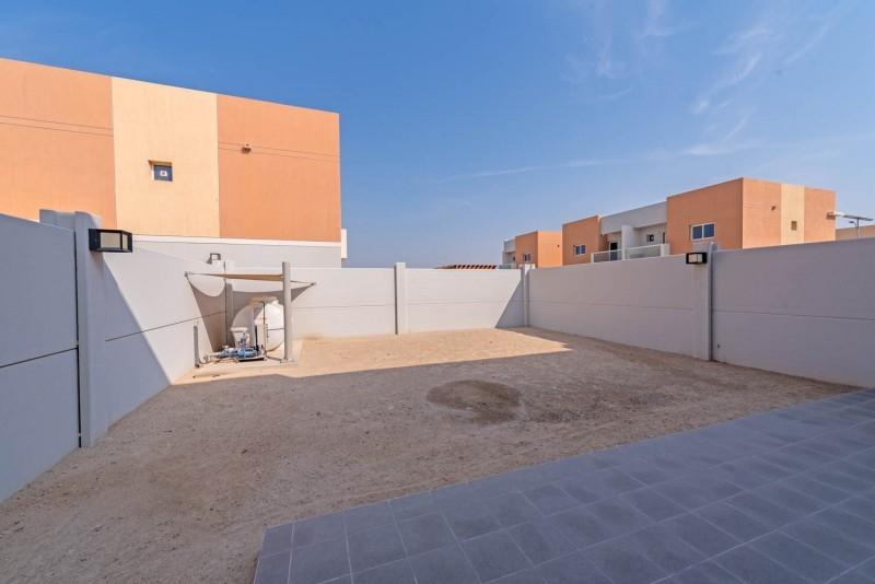 3 Bedroom Apartment For Rent in  Manazel Al Reef 2,  Al Samha   1