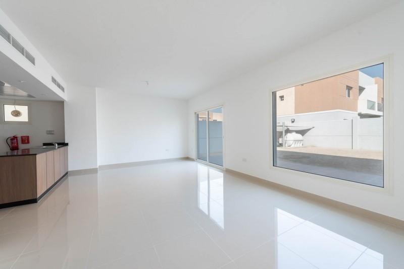 3 Bedroom Apartment For Rent in  Manazel Al Reef 2,  Al Samha   5