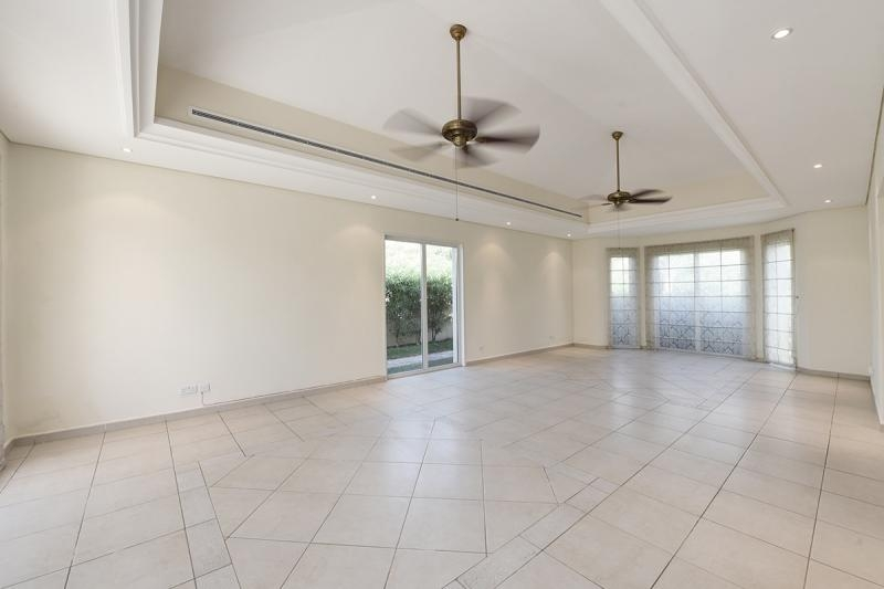 4 Bedroom Villa For Sale in  Bungalows Area West,  Green Community   1
