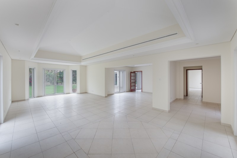 4 Bedroom Villa For Sale in  Bungalows Area West,  Green Community | 3