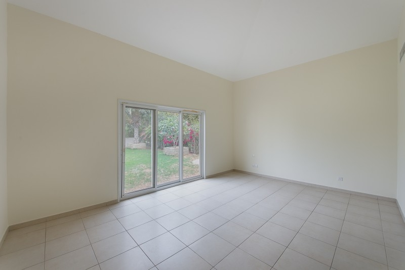 4 Bedroom Villa For Sale in  Bungalows Area West,  Green Community | 6