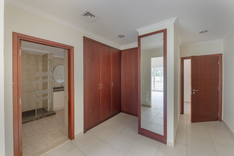 4 Bedroom Villa For Sale in  Bungalows Area West,  Green Community | 7