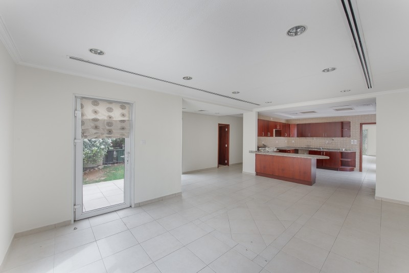 4 Bedroom Villa For Sale in  Bungalows Area West,  Green Community | 8