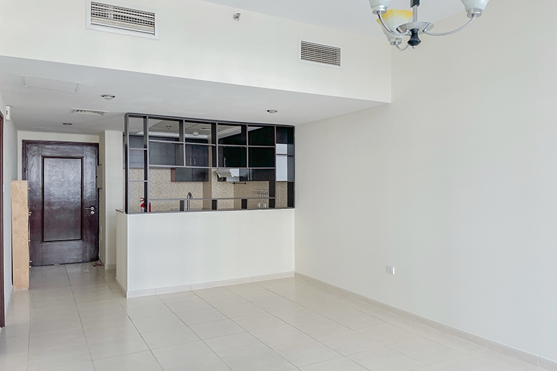 1 Bedroom Apartment For Rent in  Royal Residence 1,  Dubai Sports City   2