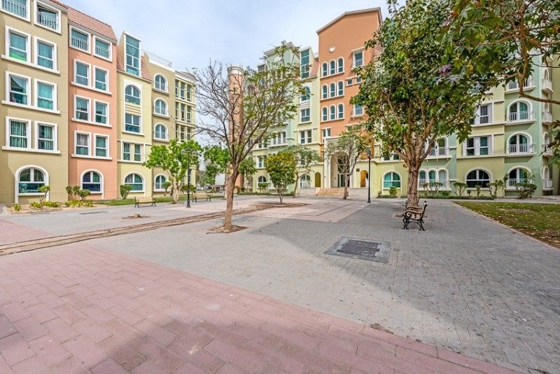 Studio Building For Sale in  Building 148 To Building 202,  Discovery Gardens | 9