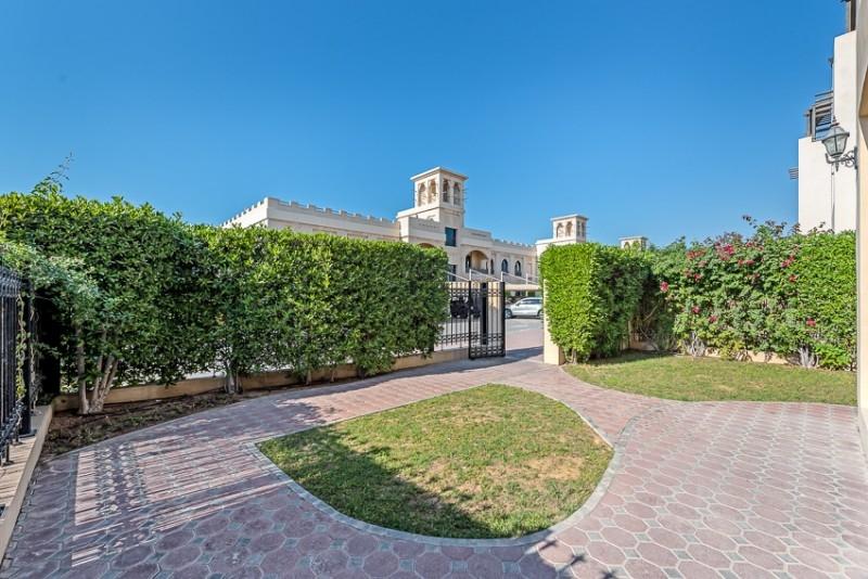 5 Bedroom Villa For Rent in  The Roda Beach,  Jumeirah   8