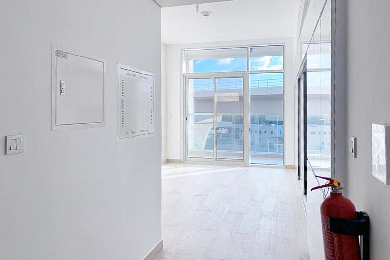 Studio Apartment For Sale in  Studio One,  Dubai Marina   7
