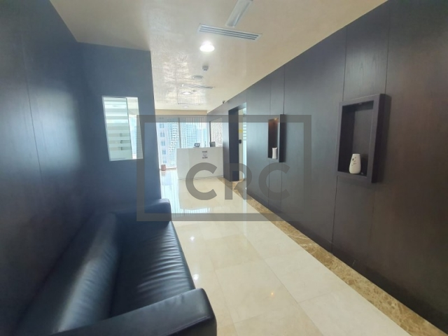 8,550 sq.ft. Office in Business Bay, The Binary Tower for AED 8,250,000