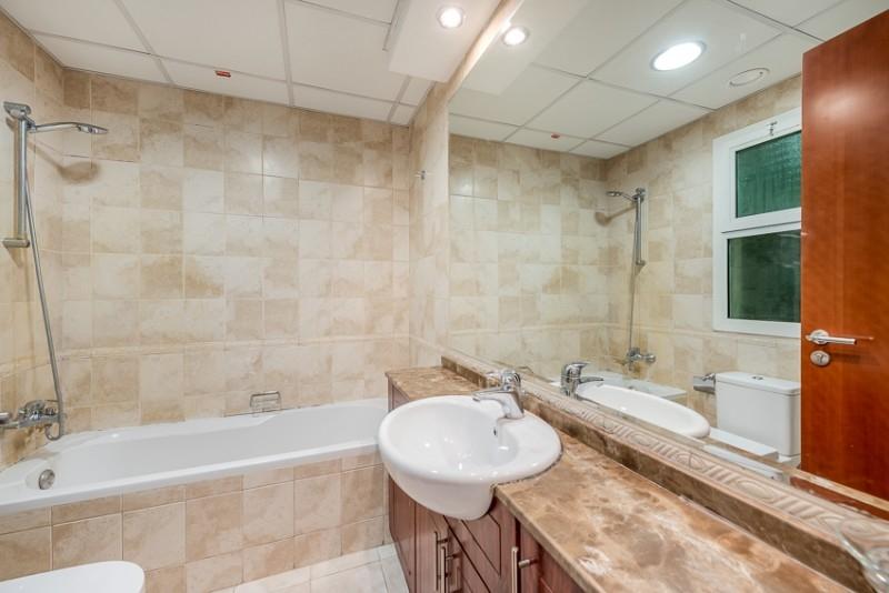 2 Bedroom Apartment For Rent in  Zubaidi Building,  Deira   7