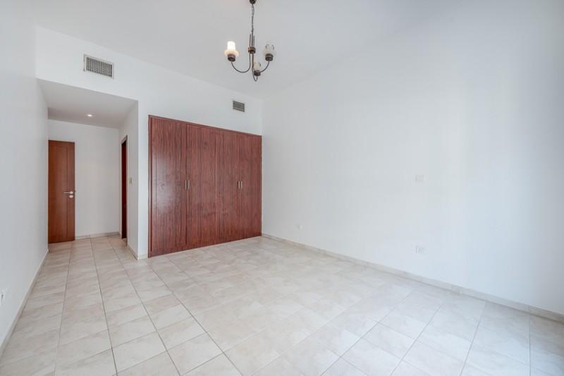 2 Bedroom Apartment For Rent in  Zubaidi Building,  Deira   5
