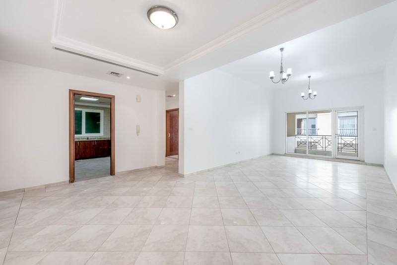 2 Bedroom Apartment For Rent in  Zubaidi Building,  Deira   0