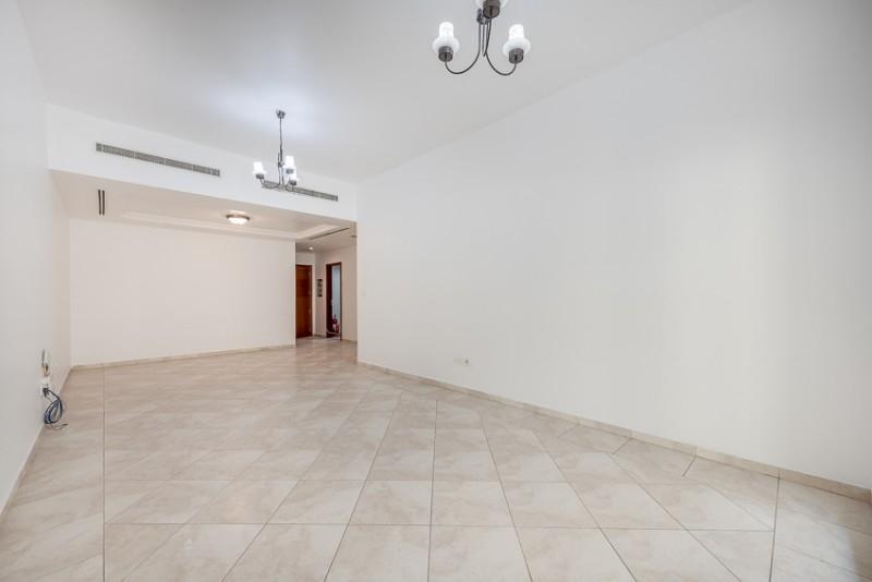 2 Bedroom Apartment For Rent in  Zubaidi Building,  Deira   1
