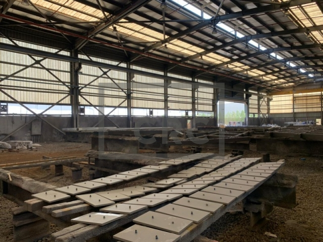 semi-furnished warehouse for sale in dubai industrial park, saih shuaib 2   4