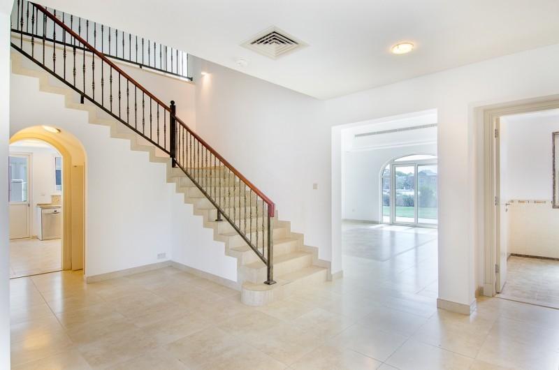 5 Bedroom Villa For Sale in  Esmeralda,  Victory Heights   6