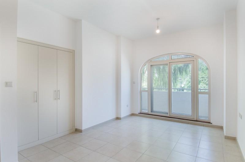 5 Bedroom Villa For Sale in  Esmeralda,  Victory Heights   7