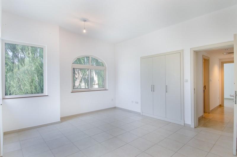 5 Bedroom Villa For Sale in  Esmeralda,  Victory Heights   9