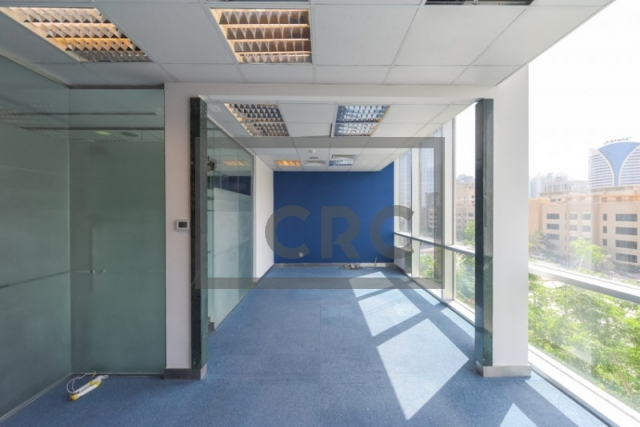 2,773 sq.ft. Office in Sheikh Zayed Road, Emaar Business Park Building 4 for AED 305,030