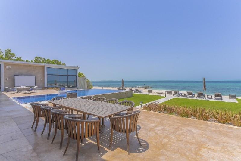 5 Bedroom Villa For Sale in  Water Villa,  Nurai Island   1