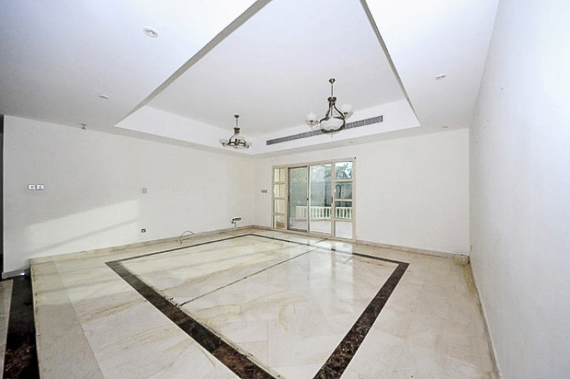 6 Bedroom Villa For Sale in  Al Barsha 2,  Al Barsha   5
