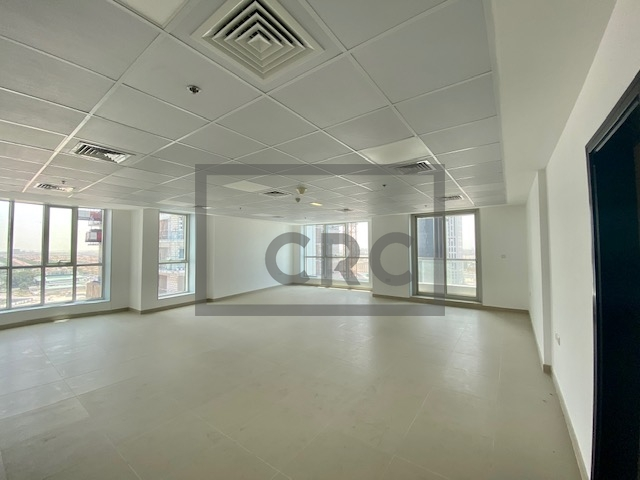 925 sq.ft. Office in Jumeirah Lake Towers, Preatoni Tower for AED 500,000