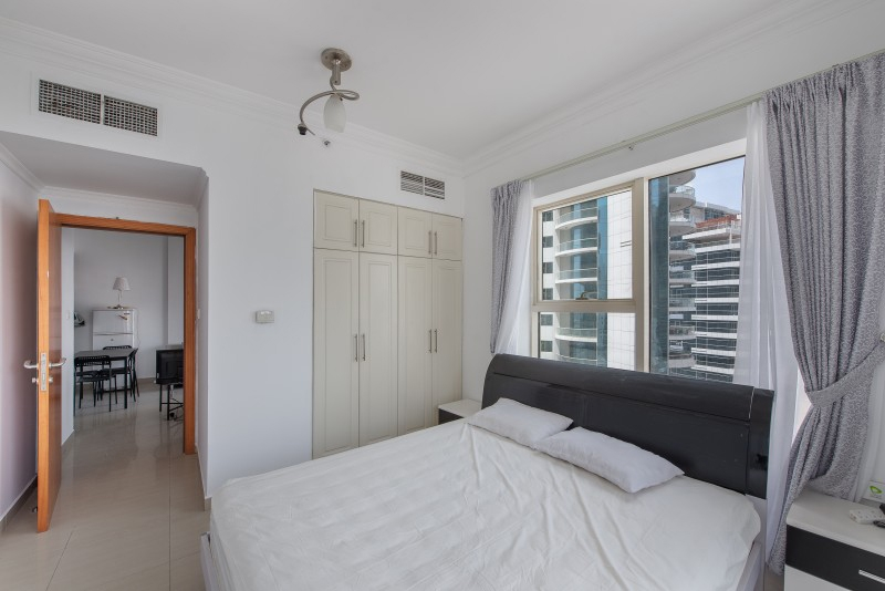 1 Bedroom Apartment For Sale in  Manchester Tower,  Dubai Marina   3