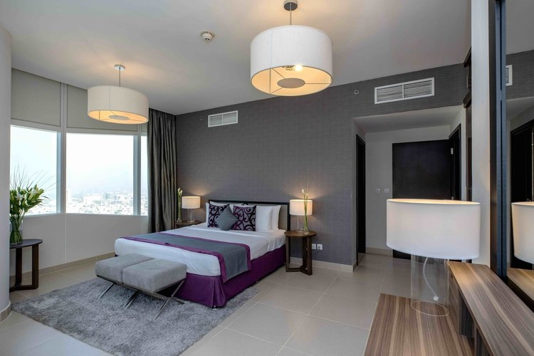 3 Bedroom Apartment For Short Term Rental in  Nassima Tower,  Sheikh Zayed Road   3