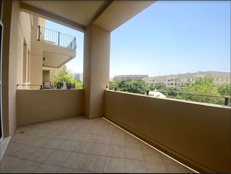 1 Bedroom Apartment For Rent in  Weston Court 1,  Motor City   4