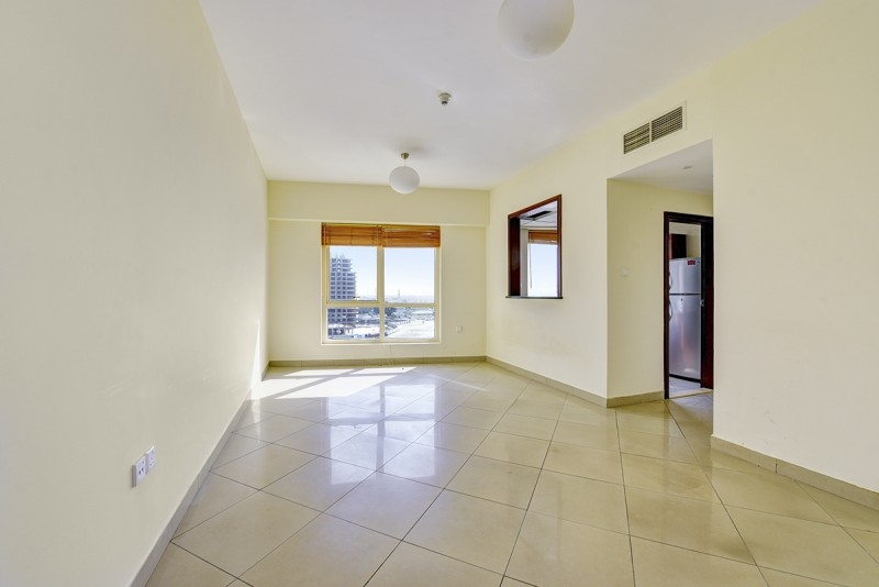 1 Bedroom Apartment For Sale in  Icon Tower 2,  Jumeirah Lake Towers   3